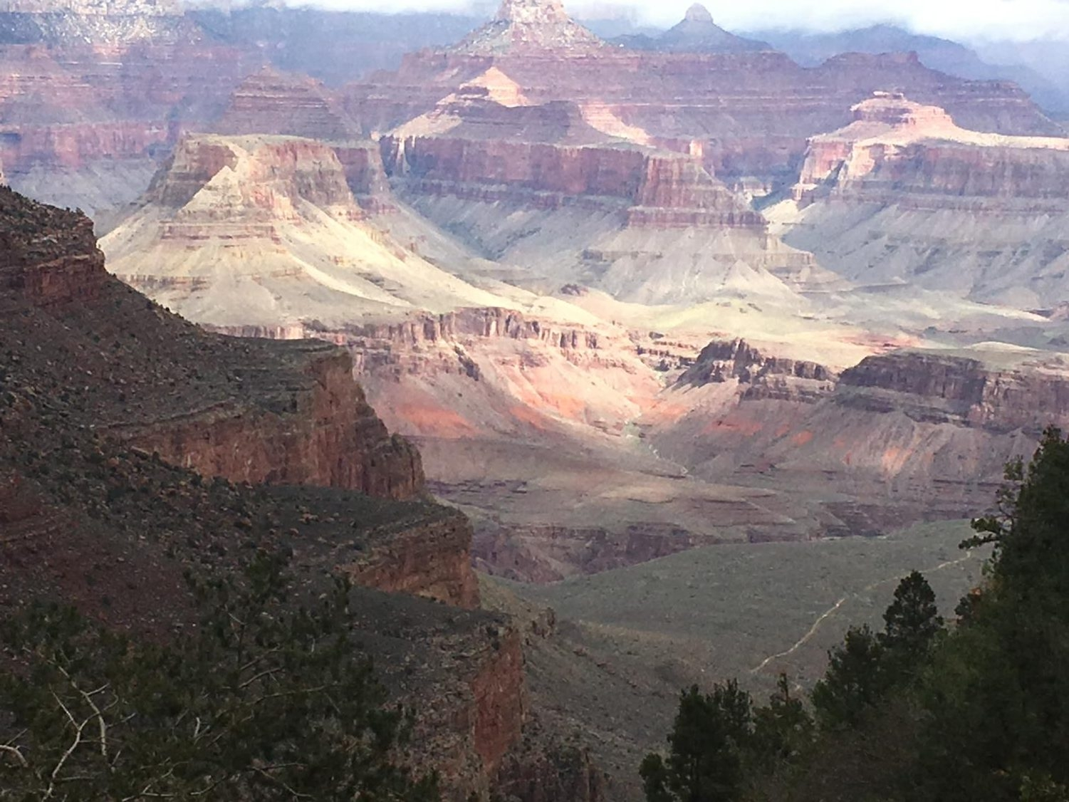 The main canyon is 277 miles long and 1 mile deep. It averages about 10 miles in width.