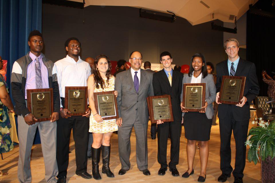 Senior+athletes+honored+at+Calvin+%22Monk%22+Jones+Lecture+Series