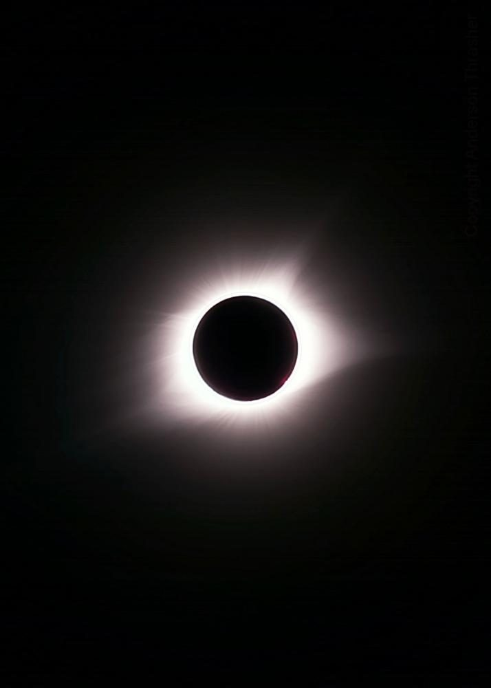 Pictured+is+the+solar+eclipse+of+Aug.+21+in+totality%2C+taken+during+the+two-plus+minutes+of+100%25+totality.+Photo+by+Anderson+Thrasher