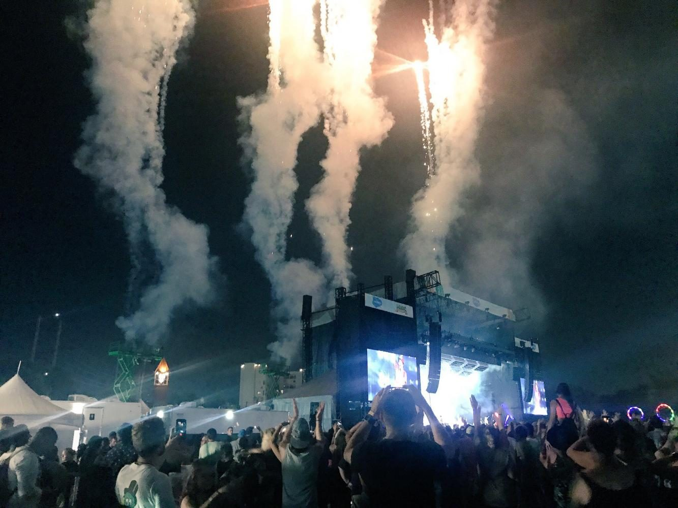 Bruno+Mars+sets+off+fireworks+on+the+Salesforce+stage+during+his+performance+on+Saturday+night.