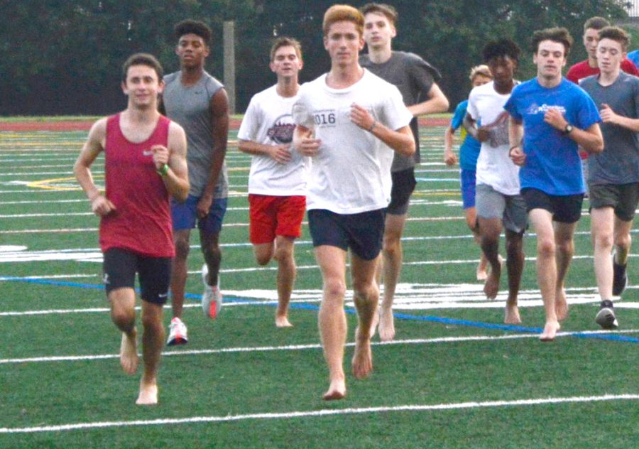 Taking+it+easy%3A+The+boys+cross+country+team+does+a+recovery+run+after+a+week+of+difficult+workouts+on+the+morning+of+Thurs.+Aug.+23.