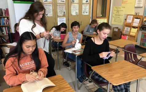 'It's Knitting Season': A trend hits students