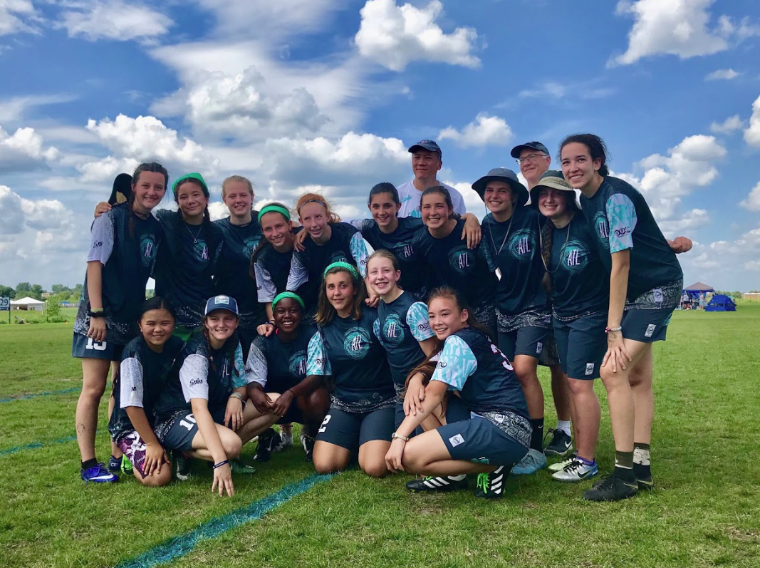 The U17 girls rATLers pose for team picture at the US Open Club Championship after beating Boston Ultimate Disc Alliance. Following this game, the rATLers played in the semi-finals against D.C. Force.