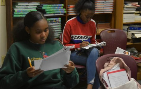 Sophomore Kyla Pate and classmates work on a French assignment. Many of the French students participate in French club to further their experience.