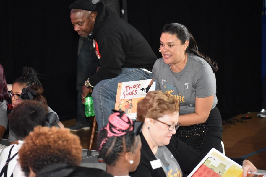 STORYBOOK+ENDING%3A+Superintendent+Meria+Carstarphen+reads+aloud+to+students+from+Harper-Archer+Elementary+School+at+the+annual+State+of+the+District++on+Nov.+7th.