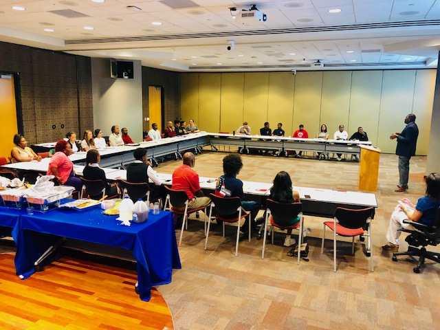 Atlanta+Board+of+Education+Executive+Administrator+Pierre+Gaither+speaks+to+members+of+the+district%27s+newly-created+Student+Advisory+Council+at+the+group%27s+Sept.+26%2C+2019+meeting.