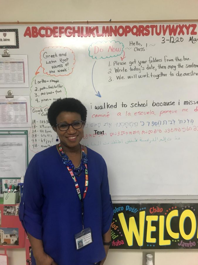 ESOL+teacher+Che+Andrews+displays+the+teaching+methods+she+uses+on+her+whiteboard.+The+%E2%80%9CDo+Now%E2%80%9D+consists+of+evaluating+the+sentence%3A+%E2%80%9CI+walked+to+school+because+I+missed+the+bus.%E2%80%9D+