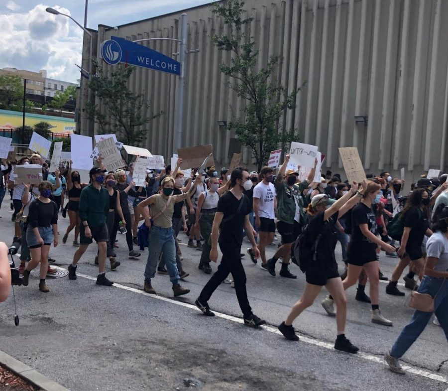 Peaceful protesters resumed the march from the Georgia State Capitol to return to Centennial Olympic Park to advocate against police brutality. The protest later turned violent.