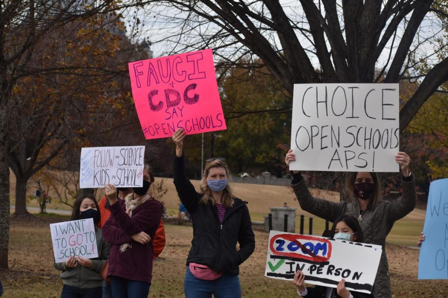 The parents and students protesting were clear that the change they want to see is to be given a choice not a mandate about going back to school. Many of the homemade signs argued that going back to school is supported by science and parents are concerned that school administrations are using the wrong data.