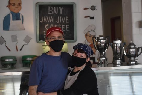 Java Jive owners Shira Levetan and Steven Horwitz have served breakfast food and fresh brewed coffee to the community for over 25 years.