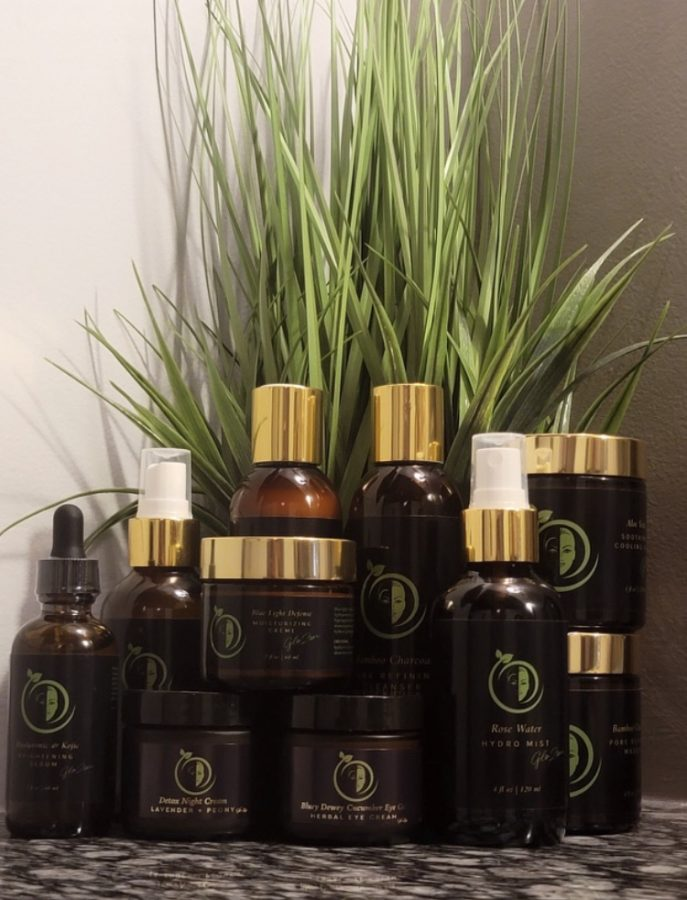 Glo+Zen+has+10+products+ranging+from+moisturizers+to+serums.+All+of+the+products+are+vegan%2C+cruelty-free+and+gluten-free.
