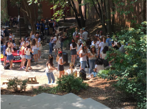 In a traditional school setting, seniors gather in the courtyard for lunch and wear senior crowns to symbolize their last year at Grady. Due to the 2020-2021 school year being entirely online so far, Grady seniors have missed out on classic senior activities.
