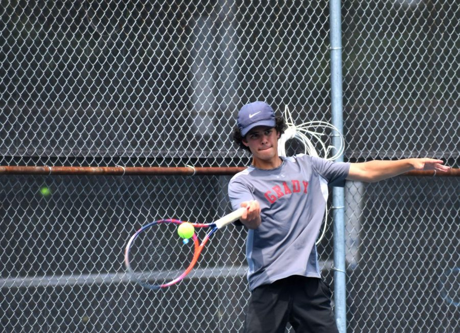 Boys tennis makes deep playoff run; finishes state runner-up